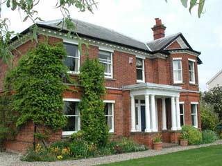 Victorian farmhouse bed and breakfast accommodation in Bourne End